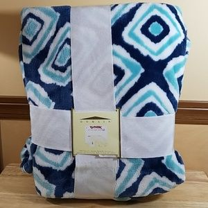 Domain Fleece Blanket, new in package